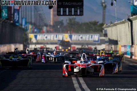 Automotive tire, Automotive design, Mode of transport, Open-wheel car, Race track, Motorsport, Formula one car, Sport venue, Car, Formula one,