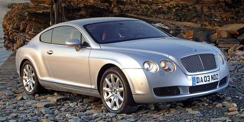 Tire, Vehicle, Land vehicle, Automotive tire, Automotive design, Rim, Alloy wheel, Grille, Car, Bentley,