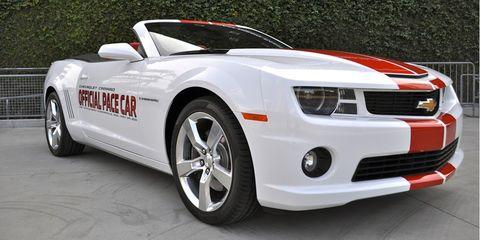 Tire, Motor vehicle, Wheel, Automotive design, Vehicle, Transport, Land vehicle, Automotive lighting, Automotive exterior, Car,
