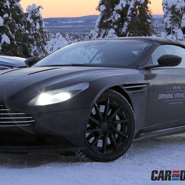 Tire, Wheel, Automotive design, Mode of transport, Automotive tire, Vehicle, Land vehicle, Rim, Car, Automotive wheel system,