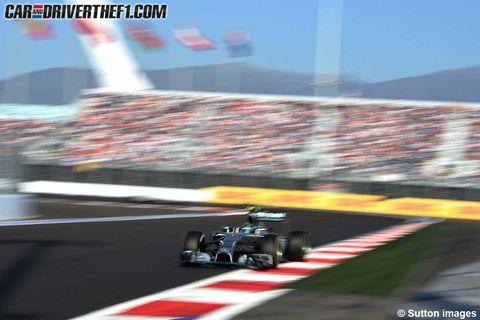 Tire, Automotive tire, Automotive design, Open-wheel car, Sport venue, Formula one tyres, Race track, Motorsport, Formula one, Formula one car,