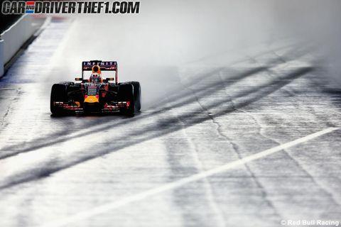 Tire, Wheel, Automotive tire, Automotive design, Open-wheel car, Formula one tyres, Formula one car, Motorsport, Formula one, Car,