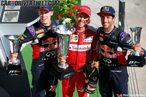 Smile, Sports uniform, Award, Cap, Jersey, Logo, Trophy, Championship, Uniform, Award ceremony,
