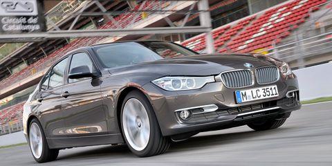 Tire, Wheel, Mode of transport, Automotive design, Vehicle, Automotive tire, Transport, Land vehicle, Hood, Rim,