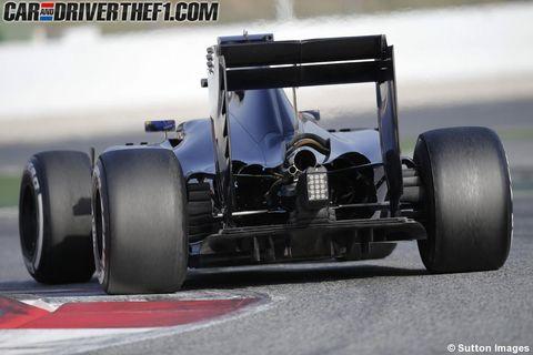 Tire, Wheel, Automotive tire, Automotive design, Open-wheel car, Automotive exterior, Automotive wheel system, Rim, Formula one tyres, Car,