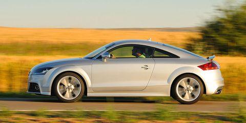Tire, Wheel, Automotive design, Vehicle, Alloy wheel, Rim, Automotive tire, Car, Automotive wheel system, Automotive lighting,