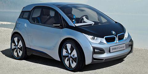 Motor vehicle, Wheel, Mode of transport, Automotive design, Automotive mirror, Vehicle, Land vehicle, Car, Transport, Automotive exterior,