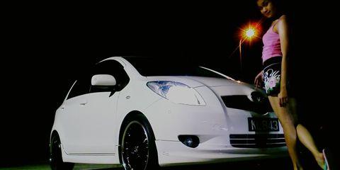 Motor vehicle, Automotive design, Mode of transport, Vehicle, Car, Automotive lighting, Vehicle registration plate, Headlamp, Automotive exterior, Automotive mirror,