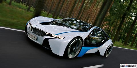 Mode of transport, Automotive design, Vehicle, Car, Rim, Headlamp, Performance car, Personal luxury car, Automotive mirror, Supercar,