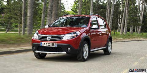 Tire, Motor vehicle, Wheel, Mode of transport, Automotive design, Vehicle, Automotive mirror, Transport, Land vehicle, Car,