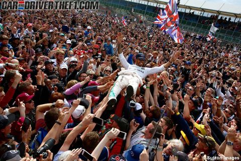Crowd, Human, People, Social group, Audience, Hand, Flag, Fan, Flag of the united states, Public event,