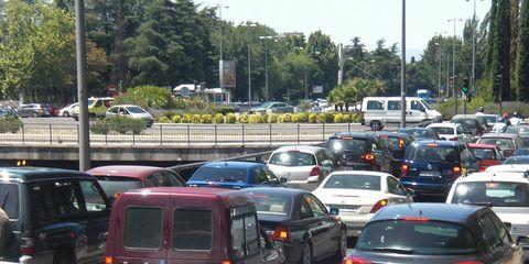 Motor vehicle, Mode of transport, Land vehicle, Vehicle, Transport, Automotive parking light, Car, Automotive mirror, Automotive exterior, Parking,