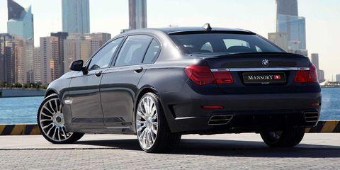 Tire, Wheel, Automotive design, Vehicle, Automotive tire, Spoke, Alloy wheel, Rim, Car, Vehicle registration plate,
