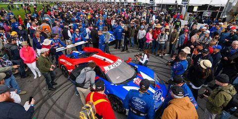 Crowd, Performance car, Car, Motorsport, Sports car, Audience, Race car, Touring car racing, Supercar, Sports car racing,