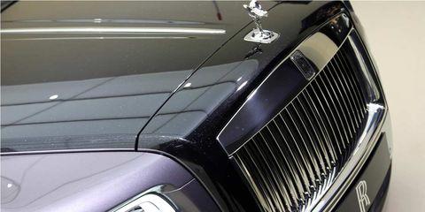 Automotive design, Automotive exterior, Grille, Hood, Light, Logo, Classic, Automotive lighting, Luxury vehicle, Classic car,