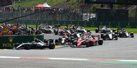 Land vehicle, Vehicle, Motorsport, Formula one, Formula libre, Formula one car, Race track, Race car, Open-wheel car, Formula racing,