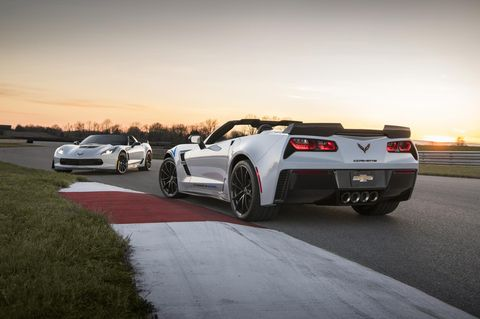 Land vehicle, Vehicle, Car, Sports car, Automotive design, Performance car, Corvette stingray, Wheel, Supercar, Automotive exterior,