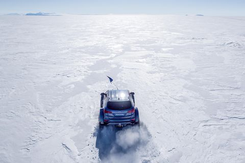 Snow, Vehicle, Winter, Natural environment, Geological phenomenon, Arctic, Ice, Freezing, Car, Off-road vehicle,