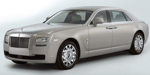Tire, Wheel, Automotive design, Vehicle, Land vehicle, Transport, Car, Grille, Automotive exterior, Rim,