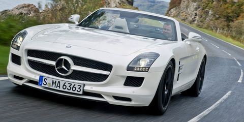 Mode of transport, Automotive design, Vehicle, Hood, Land vehicle, Car, Automotive mirror, Mercedes-benz, Grille, Personal luxury car,