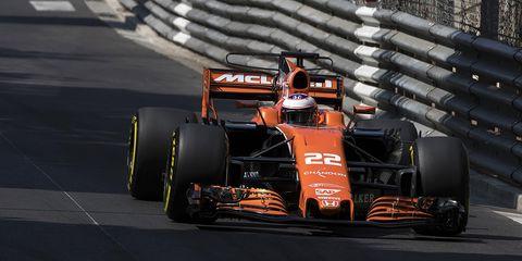 Automotive design, Automotive tire, Open-wheel car, Motorsport, Formula one tyres, Formula one, Automotive exterior, Car, Racing, Formula one car,
