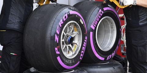 Tire, Automotive tire, Formula one tyres, Alloy wheel, Wheel, Synthetic rubber, Auto part, Rim, Automotive wheel system, Tread,