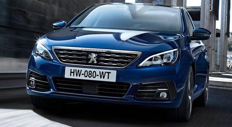 Land vehicle, Vehicle, Car, Mid-size car, Automotive design, Motor vehicle, Full-size car, Luxury vehicle, Family car, Headlamp,