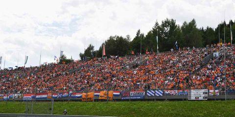 Crowd, Sport venue, Atmosphere, Stadium, Fan, Audience, Championship, Advertising, Arena, Banner,
