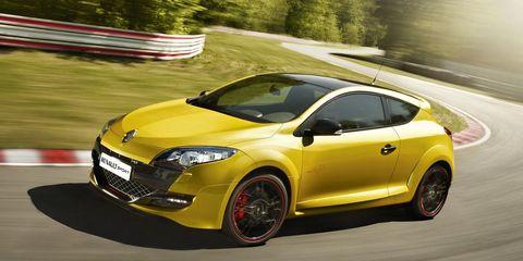 Tire, Motor vehicle, Wheel, Automotive design, Yellow, Vehicle, Car, Hood, Automotive wheel system, Headlamp,