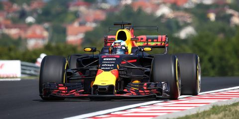 Land vehicle, Formula one, Vehicle, Race car, Formula one car, Tire, Motorsport, Formula one tyres, Formula libre, Formula racing,