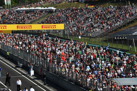 Crowd, Sport venue, People, Audience, Fan, Stadium, Competition event, Team, Arena, Public event,