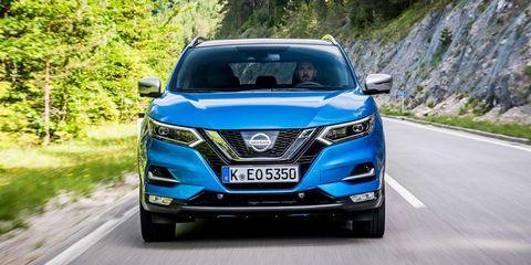 Motor vehicle, Mode of transport, Vehicle, Automotive exterior, Glass, Automotive design, Land vehicle, Automotive lighting, Headlamp, Vehicle registration plate,