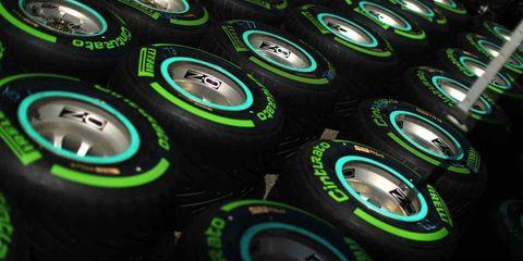 Green, Auto part, Tire, Technology, Automotive wheel system, Automotive tire, Circle, Pattern, Wheel,