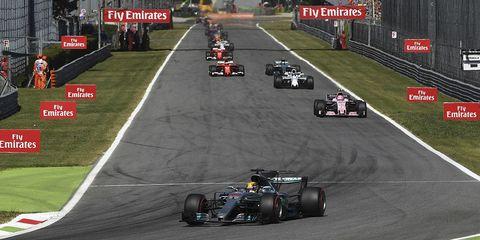 Formula one, Sports, Motorsport, Formula racing, Formula libre, Vehicle, Racing, Race car, Auto racing, Race track,