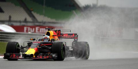 Formula one, Sports, Tire, Motorsport, Formula libre, Formula one tyres, Automotive tire, Formula one car, Vehicle, Race car,