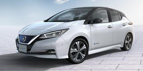 Land vehicle, Vehicle, Car, Automotive design, Mid-size car, Hatchback, City car, Nissan, Compact car, Minivan,