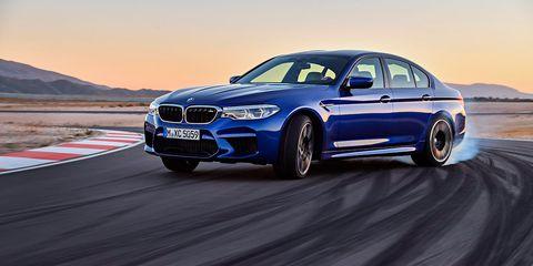 BMW M5 - derrapando en circuito