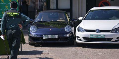 Land vehicle, Vehicle, Car, Supercar, Automotive design, City car, Performance car, Porsche, Sports car, Porsche 911,