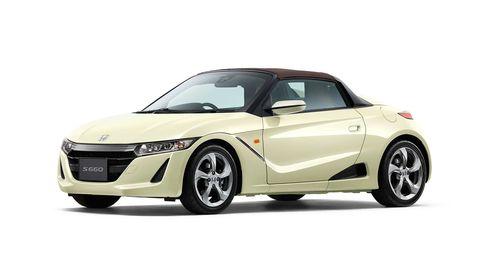 Land vehicle, Vehicle, Car, Automotive design, Convertible, Hood, Bumper, Sports car, Compact car, Roadster,