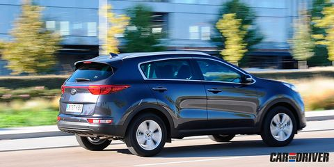 Land vehicle, Vehicle, Car, Motor vehicle, Automotive design, Kia sportage, Automotive tire, Sport utility vehicle, Tire, Kia motors,