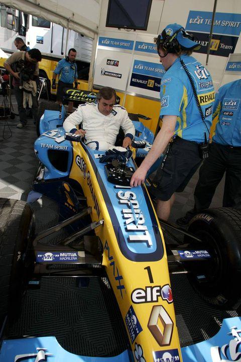 Motor vehicle, Automotive tire, Tire, Vehicle, Race car, Race track, Car, Formula one tyres, Formula one car, Automotive wheel system,