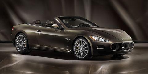 Mode of transport, Automotive design, Vehicle, Car, Performance car, Rim, Sports car, Fender, Luxury vehicle, Personal luxury car,