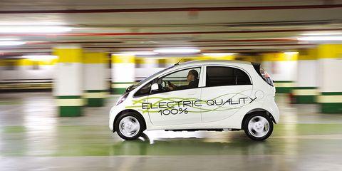 Land vehicle, Vehicle, Car, Motor vehicle, Mitsubishi i, Hatchback, Mitsubishi i miev, City car, Mitsubishi, Electric car,