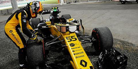 Tire, Formula libre, Automotive tire, Formula one tyres, Vehicle, Open-wheel car, Race car, Race track, Formula one car, Formula one,