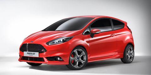 Motor vehicle, Tire, Wheel, Automotive mirror, Mode of transport, Automotive design, Product, Vehicle, Transport, Automotive exterior,