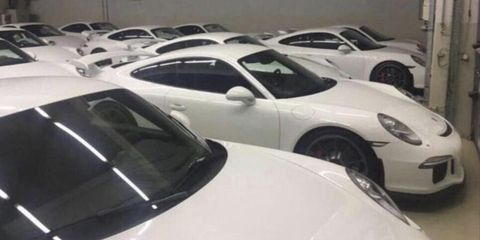 Land vehicle, Vehicle, Car, Motor vehicle, Supercar, Porsche 911 gt3, Sports car, Porsche, Porsche 911, Luxury vehicle,
