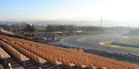 Sport venue, Sky, Architecture, Amphitheatre, Roof, Stadium, Arena, City,