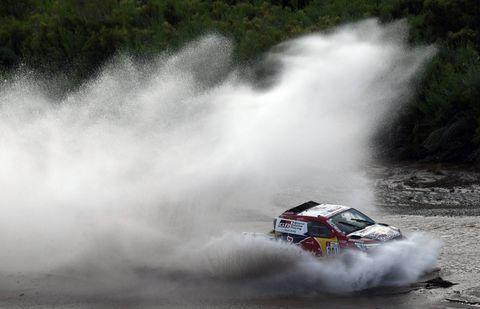 Vehicle, Motorsport, Boating, Sports, Recreation, Hydroplane racing, Racing, Powerboating, Watercourse, Car,