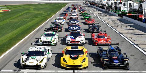 Land vehicle, Vehicle, Sports car racing, Race car, Race track, Car, Motorsport, Racing, Performance car, Sports prototype,