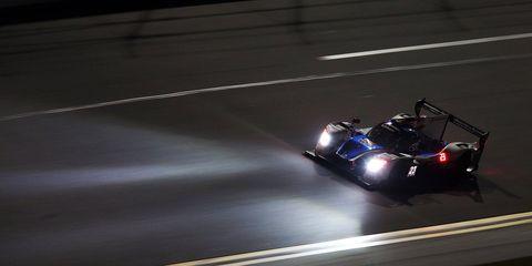 Vehicle, Light, Headlamp, Automotive lighting, Car, Automotive design, Racing, Endurance racing (motorsport), Motorsport, Automotive exterior,